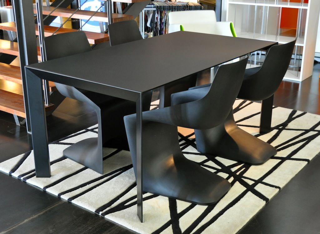 Nori Table Designed By Bartoli Design And Pulp Chair Designed By Christophe  Pillet By Kristalia #
