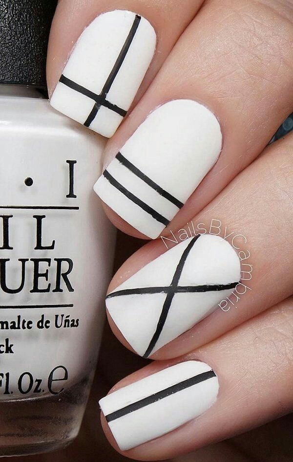 White Nails W Black Line Designs Accents
