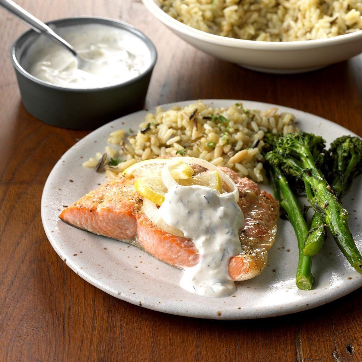Salmon With Creamy Dill Sauce Recipe In 2020 Creamy Dill Sauce Dill Sauce Salmon Recipes