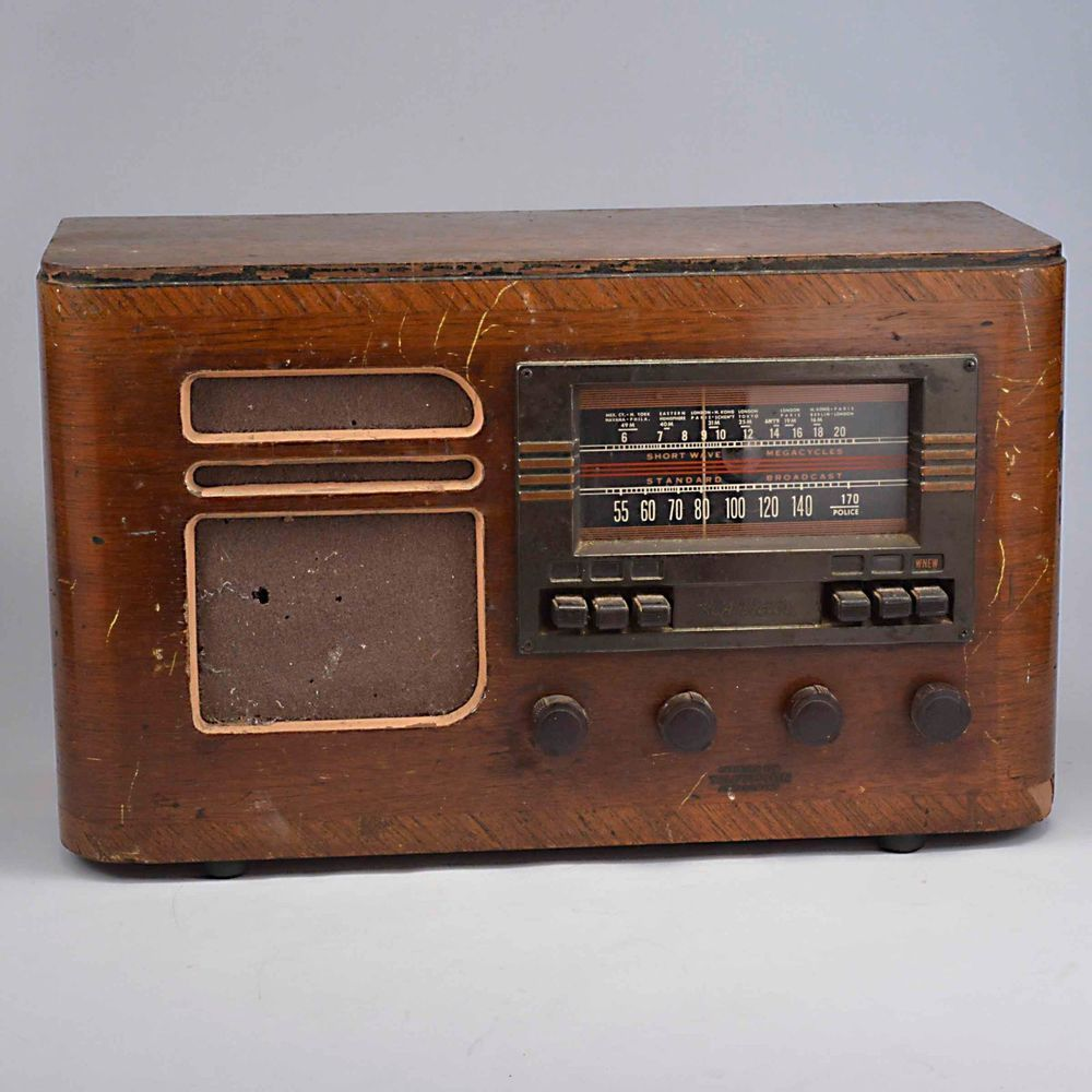 1939 RCA Victor Co Table Top Radio, Model X60, Not Working