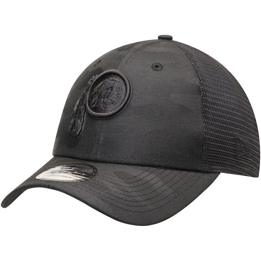 404f7349a10cc Men s Washington Redskins New Era Black Camo Front 9FORTY Trucker ...