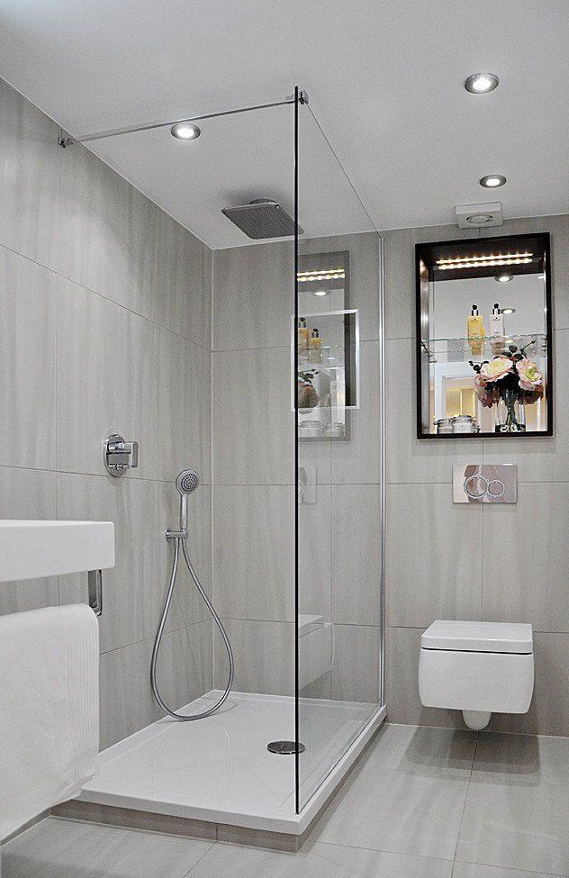 kleines bad dusche graue fliesen matt duscheabtrennung glaswand ...