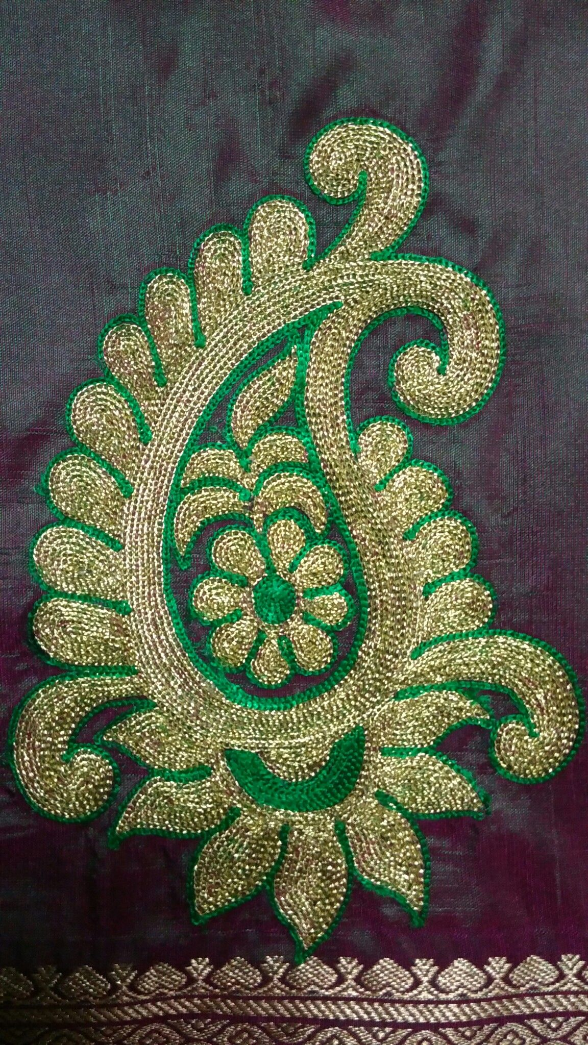 Pin de HemaLatha Raghavan en Blouses   Pinterest   Bordado