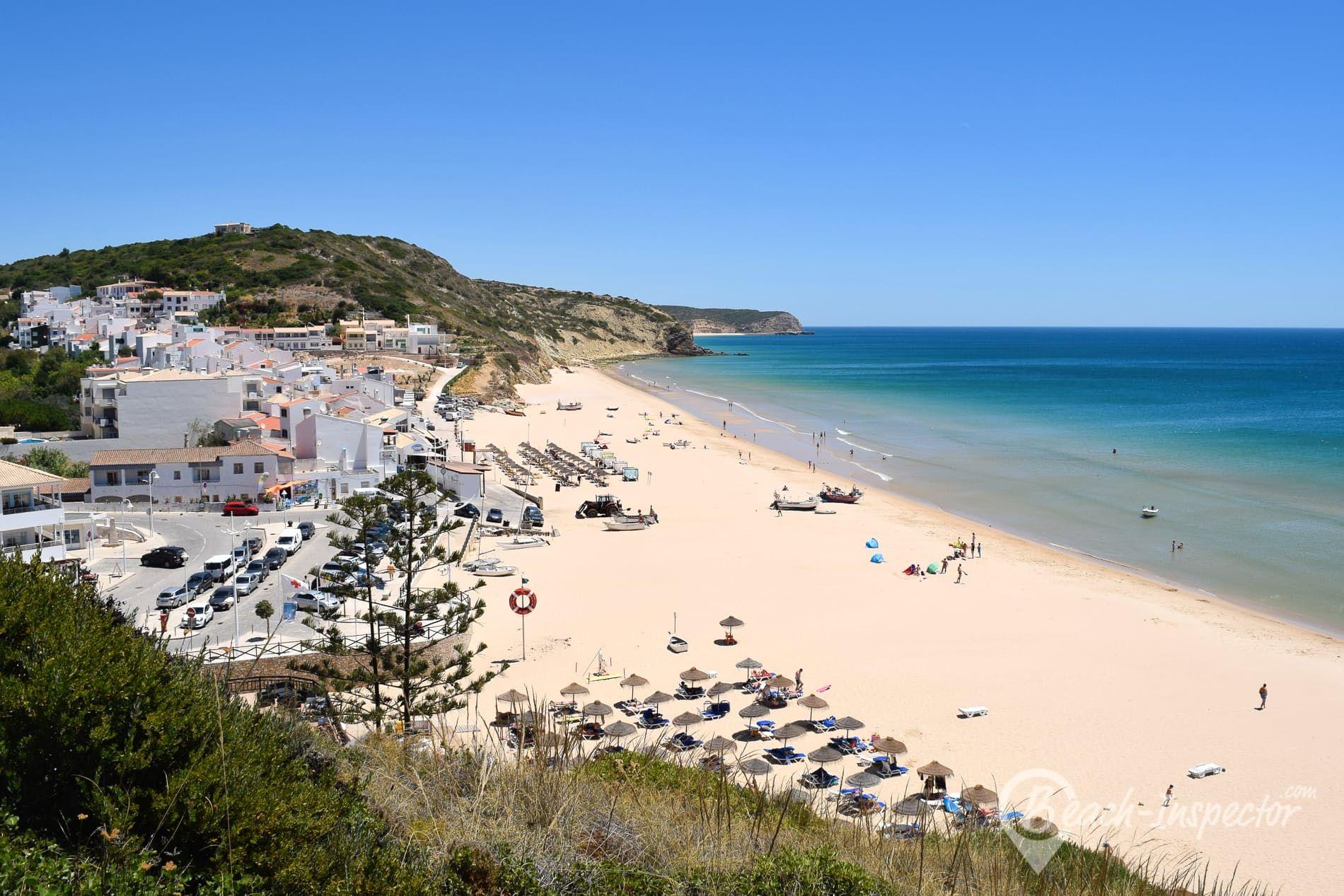 Strand Praia da Salema, Algarve, Portugal