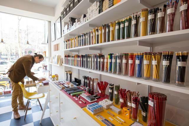Cw Pencil La Boutique Specialiste Du Crayon De Papier A New York