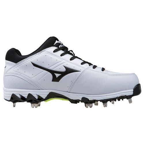 Mizuno™ Women's 9-Spike Swift 4 Metal Softball Cleats