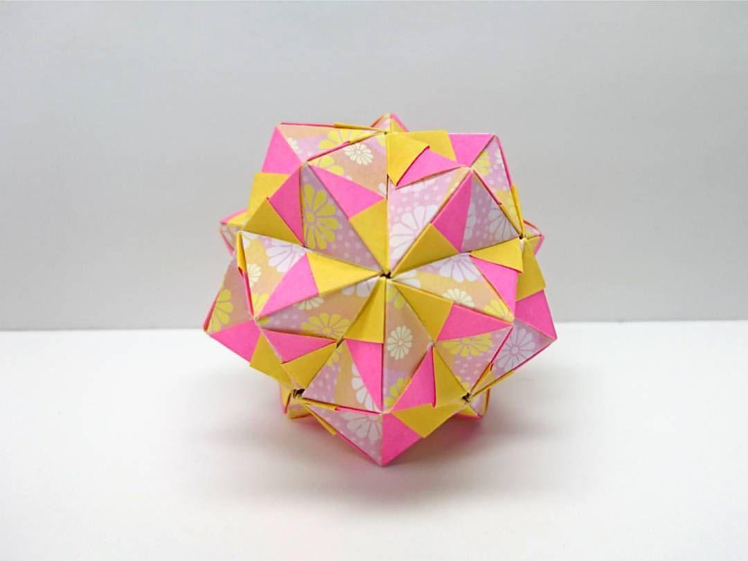 いいね 144件 コメント1件 Kazuha7919のinstagramアカウント 色分け 型 花柄おりがみ 2 5 5cm 両面 おりがみ 2 5 5cm おりがみ 折り紙 折紙 くす玉 くすだま Star Origami ユニット折り紙