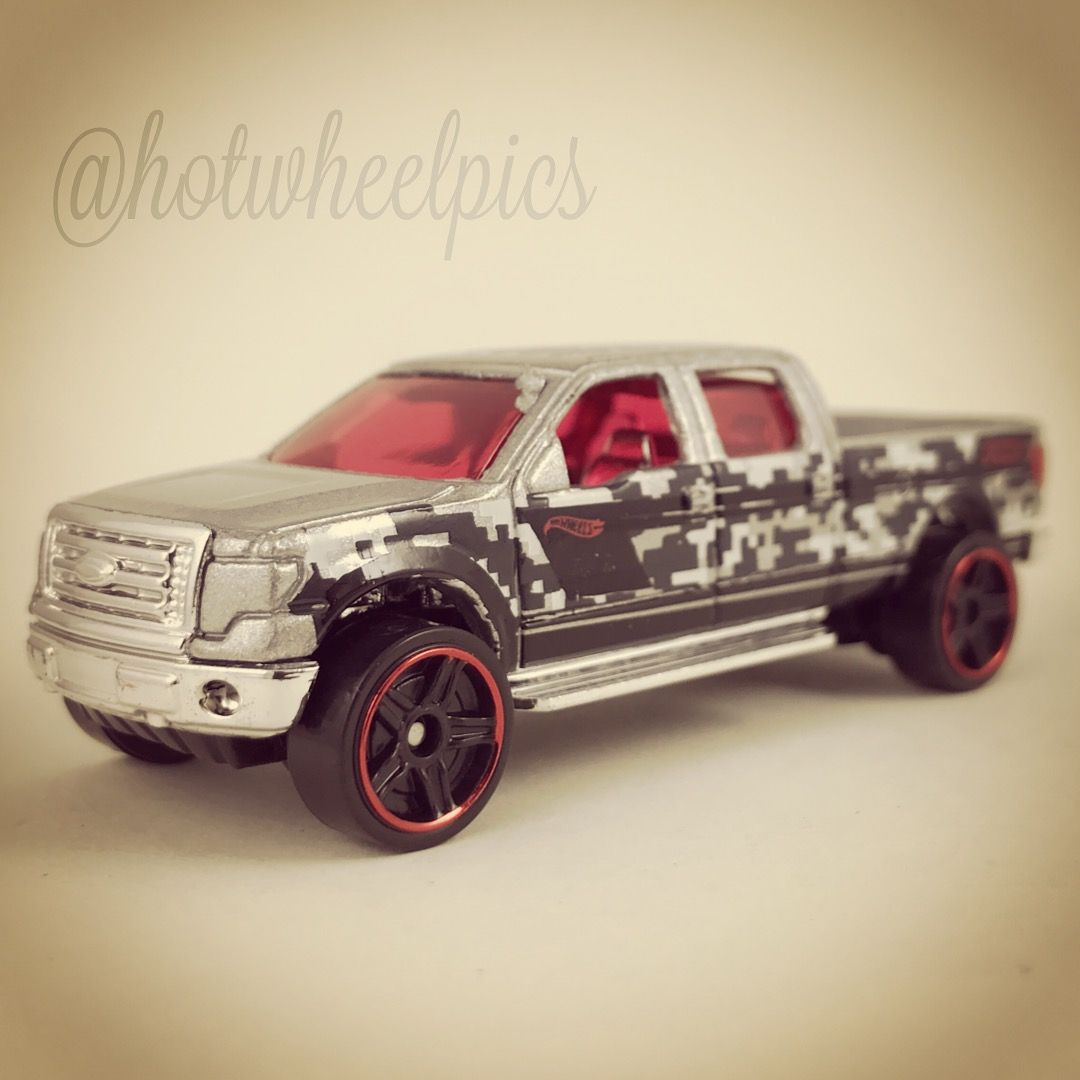 2017 Hot Wheels Camouflage Series 2009 Ford F-150 3//8