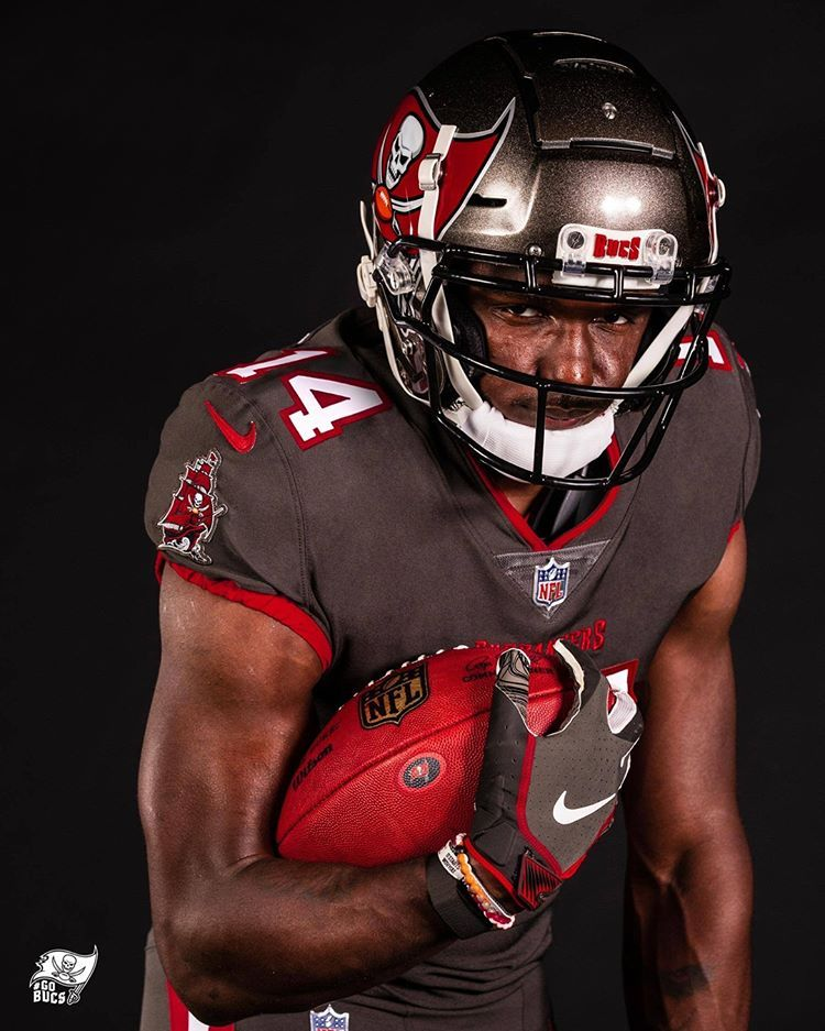 Tampa Bay Buccaneers Buccaneers Instagram Photos And Videos In 2020 Buccaneers Football College Football Uniforms Football Uniforms
