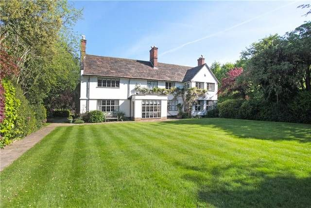Detached House For Sale Whitebarn Road Alderley Edge Cheshire Sk9 7aw Detached House Charming House Alderley Edge