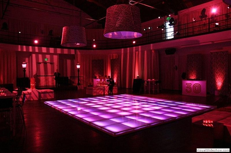 December Challange Day 17 On The Floor Illuminated Dance