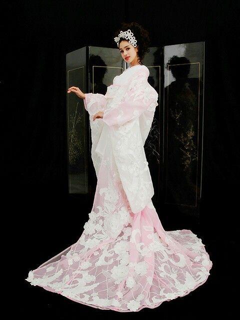 Yumi Katsura   Japanese wedding dress, Kimono fashion, Pink wedding dresses