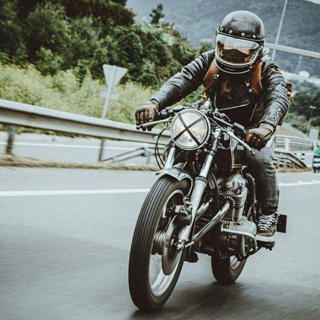 Vintage motorcycle cafe racer style. | Cafe racer style