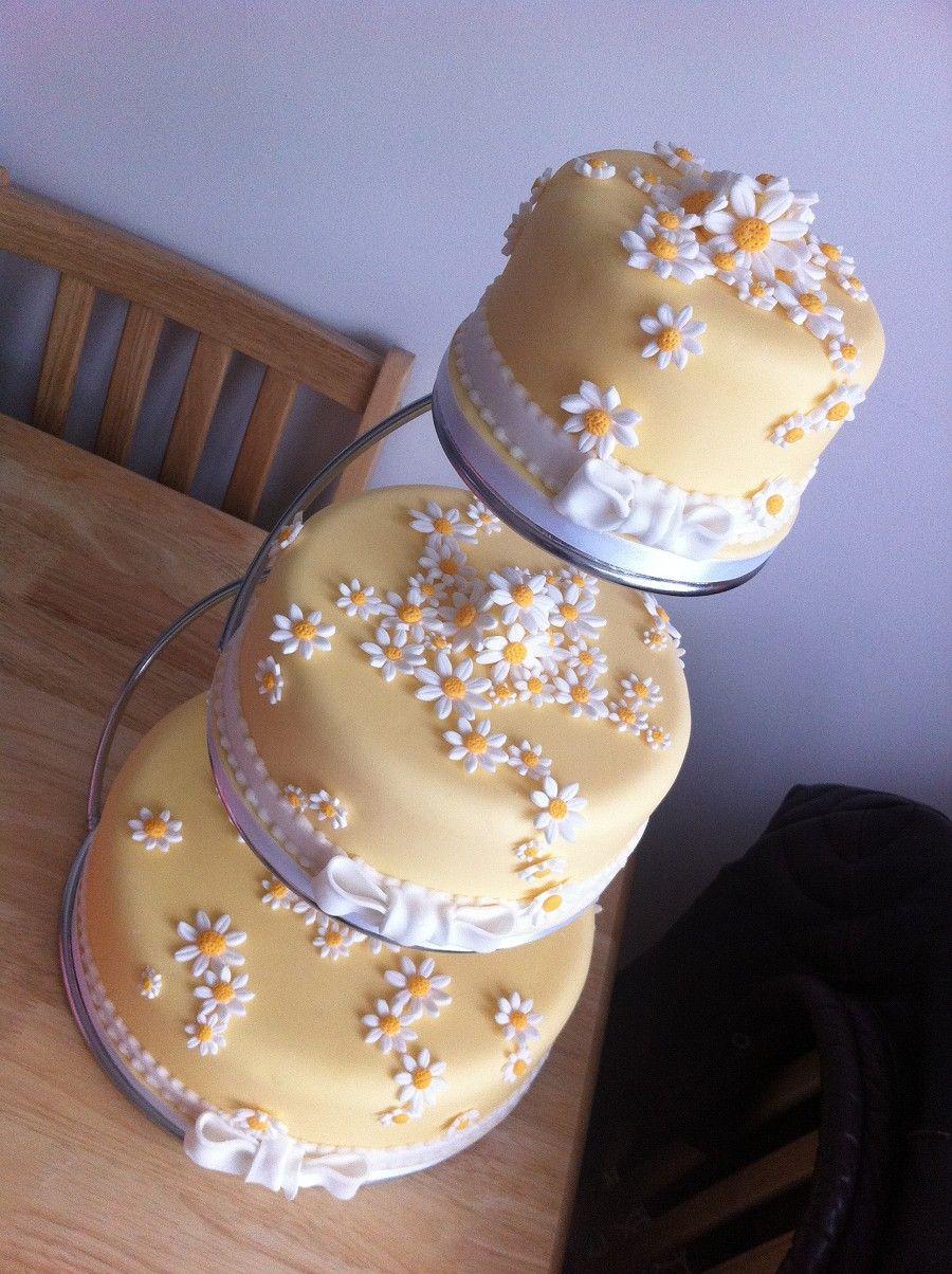 Daisy wedding theme daisy wedding cakes cake ideas and designs