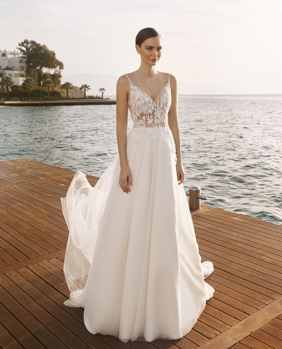 Relactive Summerwedding Summerweddingdress Destinationwedding Wedding Weddinginspiration Bri In 2020 Wedding Dress Couture Wedding Dresses Wedding Dress Store