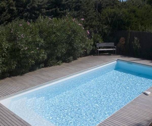 Piscine coque bahamas 9x4 m innovation piscine 31 for Provence piscine polyester