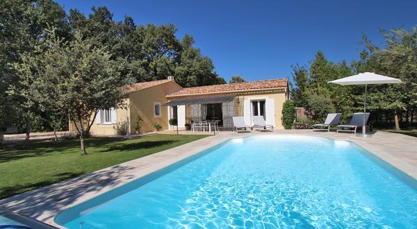 Près du village de Mazan dans le Vaucluse, jolie villa de plain-pied ...