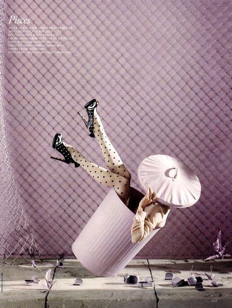 Menina de cabide: Vogue de Dezembro - Star Signs