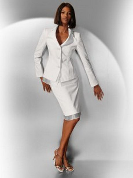 0a4f1bc90ae Tailleur chic pour mariage