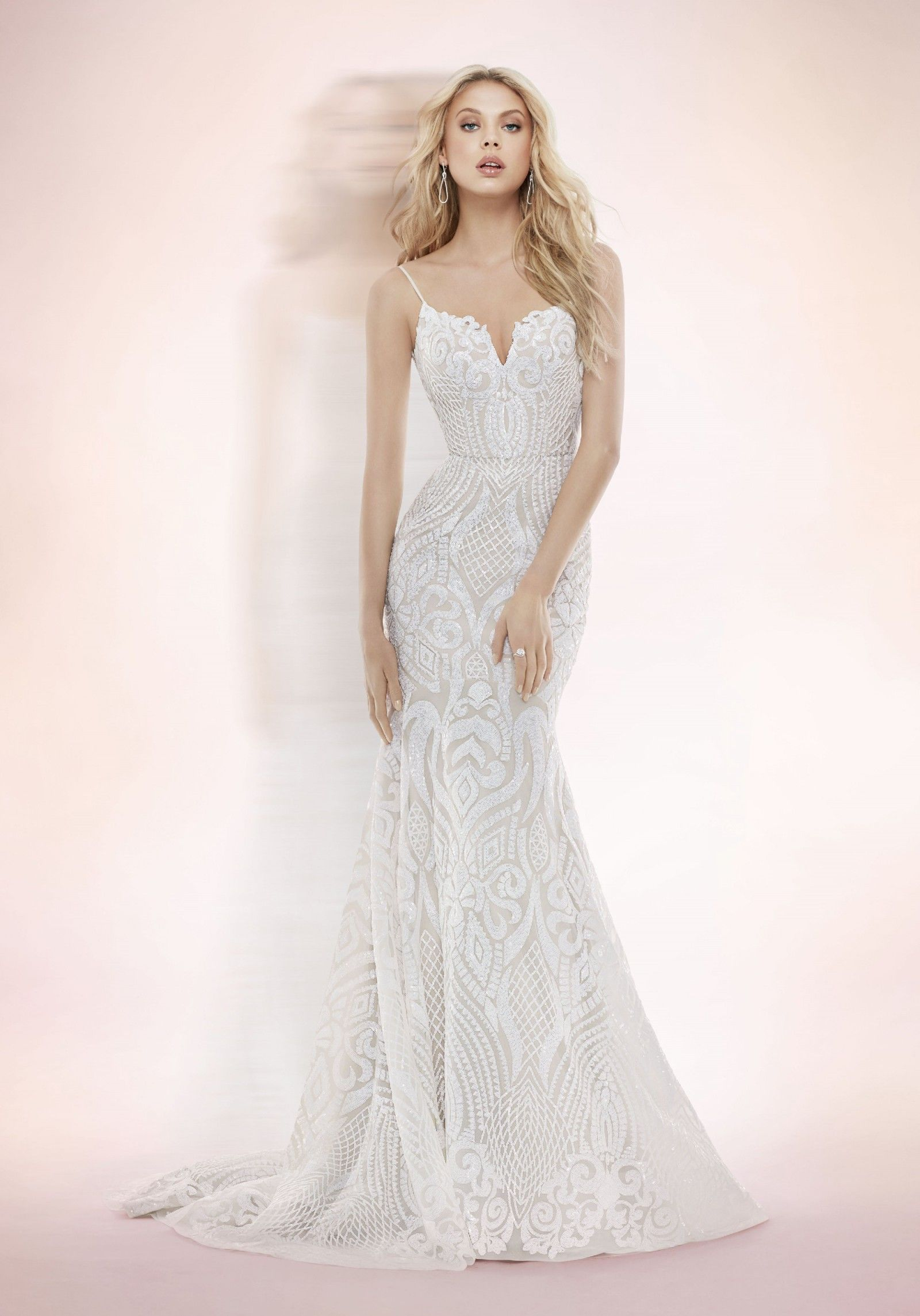 275766bc0d29 Hayley Paige West gown -1710 Second Hand Wedding Dress on Sale 50% Off