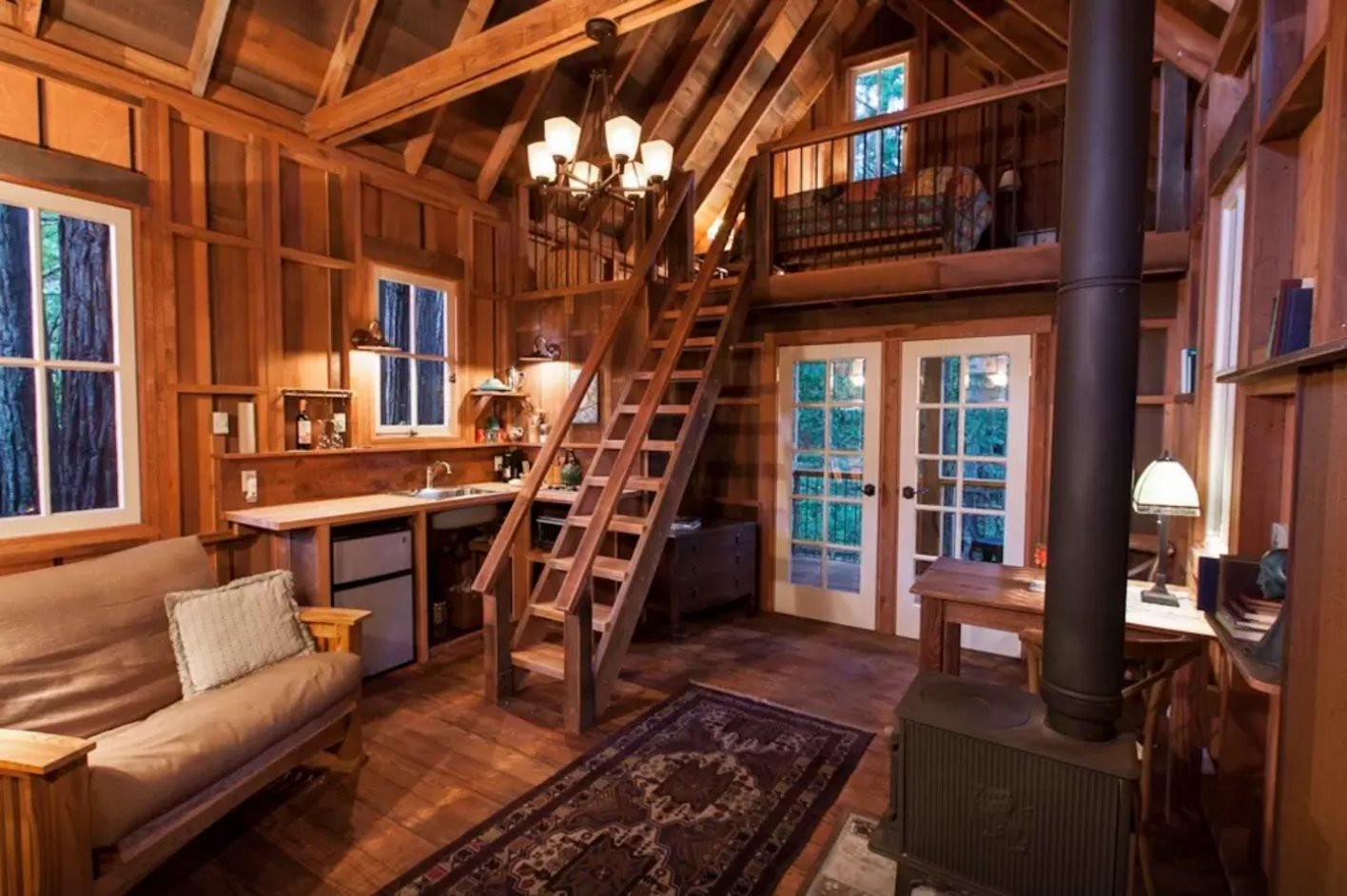 https://www.airbnb.com/rooms/1080828