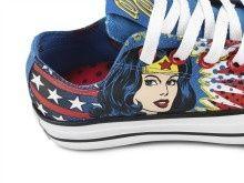 Wonder Woman low-top Converse