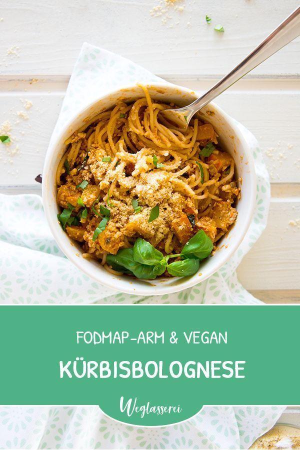 Kürbis Bolognese vegan mit Paranuss‐Parmesan #glutenfreierezepte Leckeres Herbst Rezept: Vegane Kürbis Bolognese. Noch mehr FODMAP-arme #rezepte auf Deutsch findest du auf meinem Blog. Sowie Motivation, um deine #nahrungsmittelunverträglichkeit oder #reizdarm in den Griff zu bekommen. Dort zeige ich dir, wie du die #ernährungsumstellung angehst. #gesunderezepte #glutenfrei #laktosefrei #fructosearm #lebensmittelunvertraeglichkeit #reizdarm #fodmap #vegan #kürbis #bolognese #vegetarisch #rezepteherbst