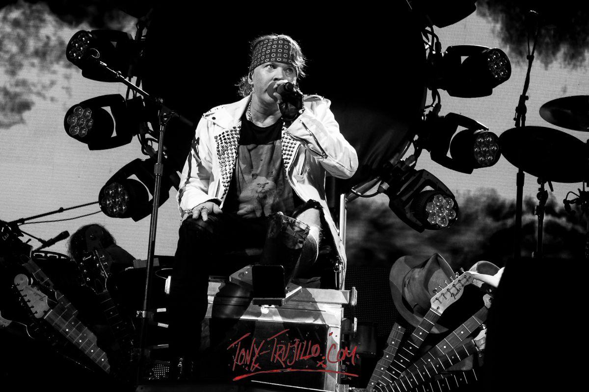 Guns n roses critical solution - Axl Rose Of Guns N Roses T Mobile Arena Las Vegas