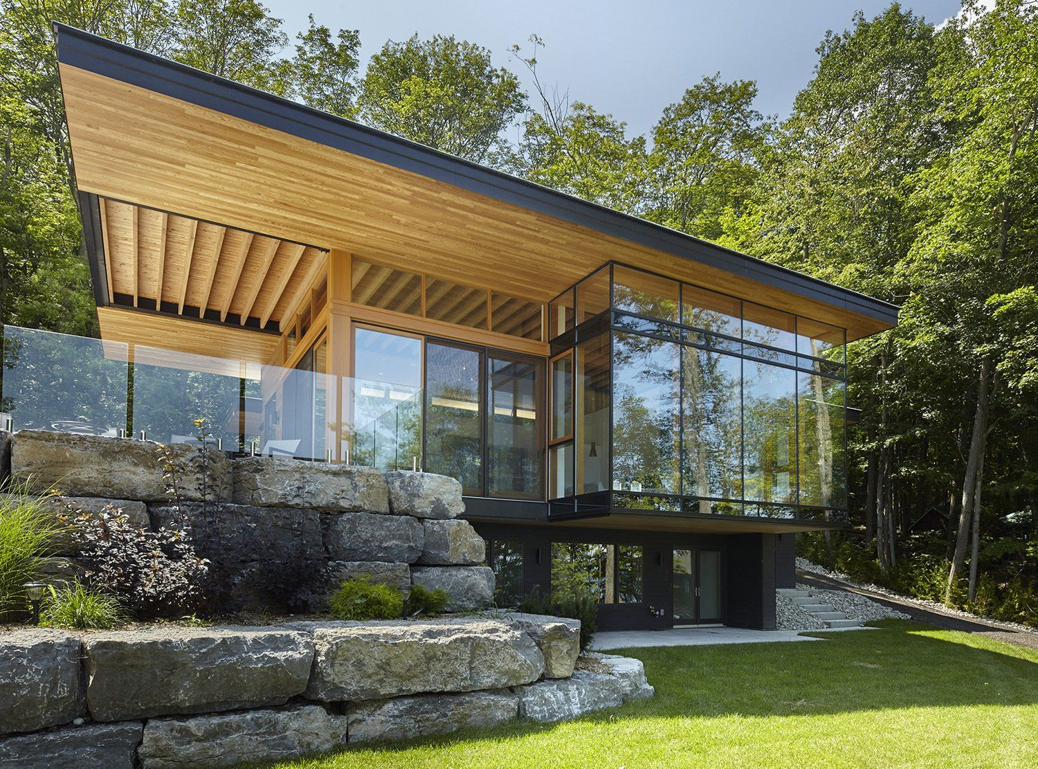 Severn Sound Cottage By Trevor Mcivor Architect Modern Cottage Contemporary Cottage Cottage House Designs