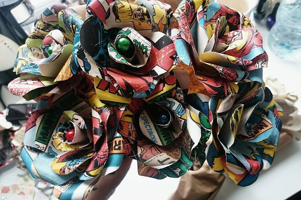 Marvel Inspired 6 Paper Roses - Unique Geek Inspired Flowers by CraftyJuJuDesigns on Etsy