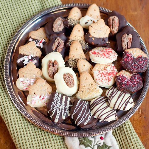 Quick and Easy Decorated Christmas Cookies from @Lana Stuart ...