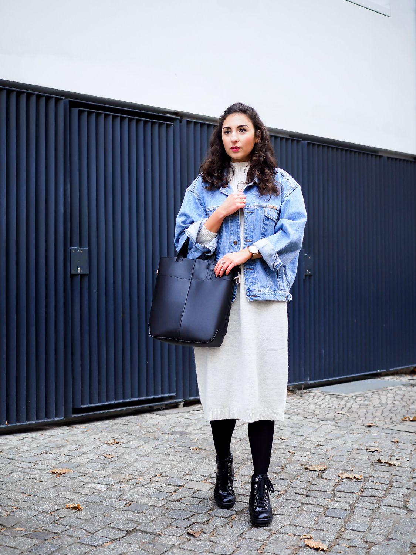 Monki Knitted Midi Dress oversize sweater beige strickkleid jeansjacke  winter outfit uterque pattern tights boots streetstyle samieze  fashionblogger ... b20e0b6514