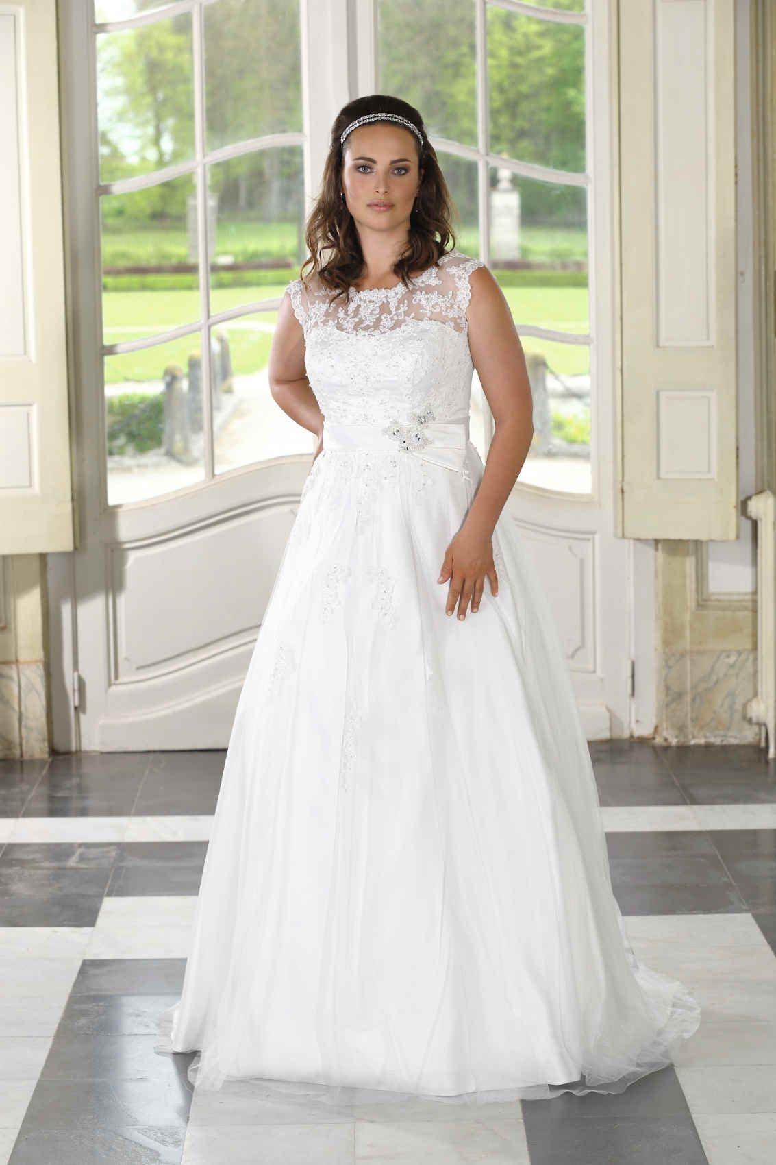 Moderne Brautkleider von Ladybird stehen auf deiner Liste Hier