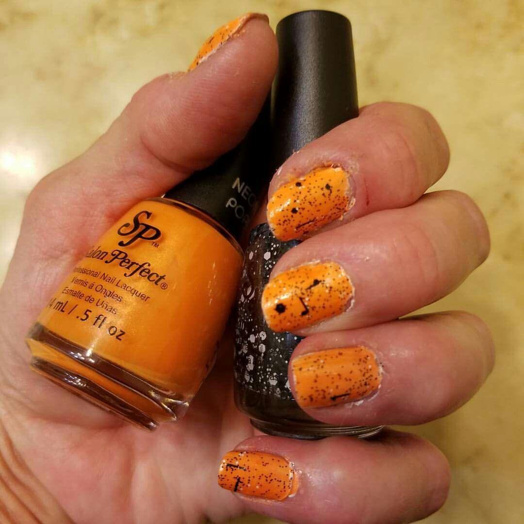 Oktober Nagelfarben. Salon Perfect Neon Pop in Orange APeel und Salon Perfect i …   – Nails