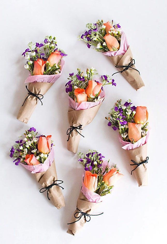 23 teeny tiny party favors you can diy simple gifts kraft paper when it comes to meaningful gifts giving flowers is always a safe bet add negle Images