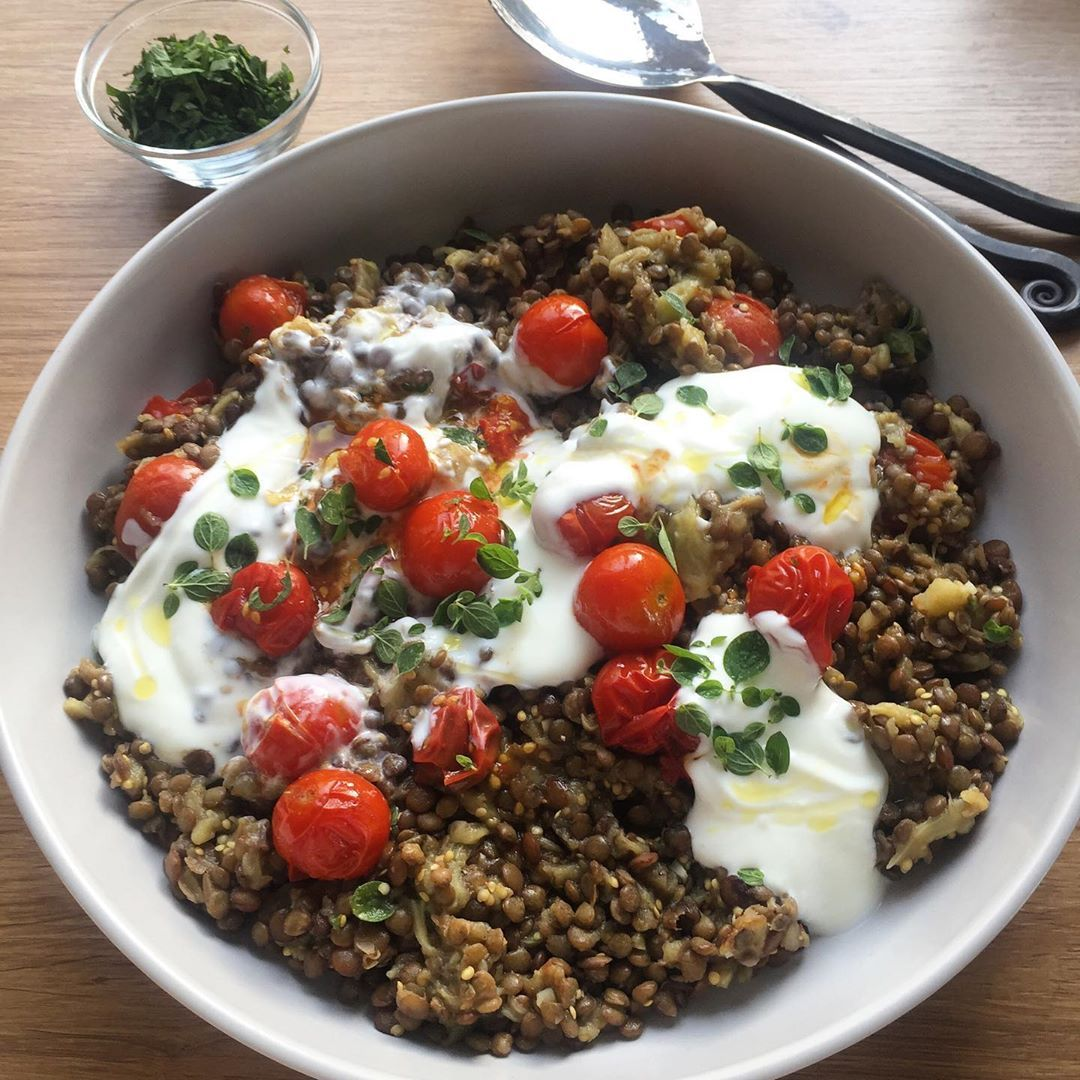 Puy Lentils With Aubergine Tomatoes And Yogurt With Homegrown Aubergines Tomatoes And Oregano Ottolenghi Fresh Food Food Inspiration Food Lover