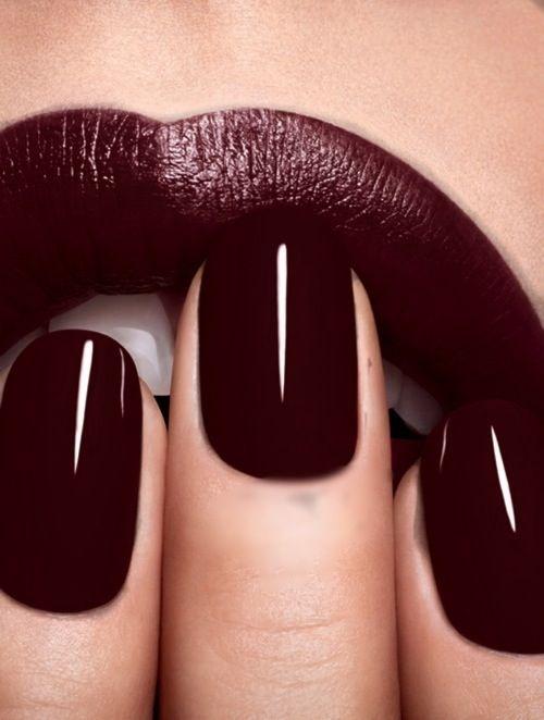 el color del 2015 marsala y todas sus gamas, busca la que te quede mejor y vaya contigo si eres calida o fria Oxblood nail and lip #myORwinter #MrPrice