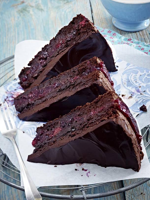 Saftiger Schoko-Beeren-Kuchen Rezept  | LECKER #kuchenrezepte