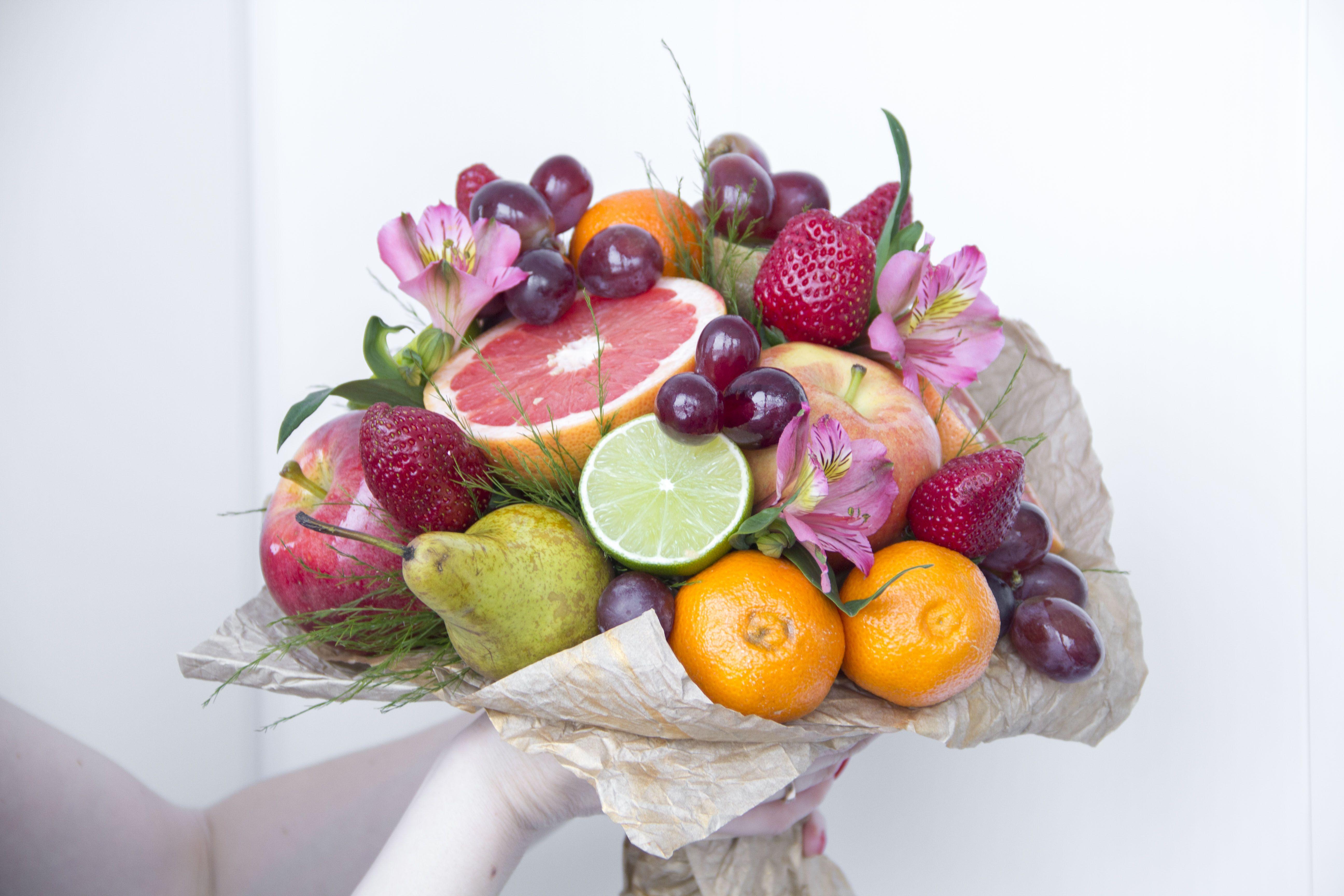 Картинки букетов из фруктов и конфет, рисунок волка