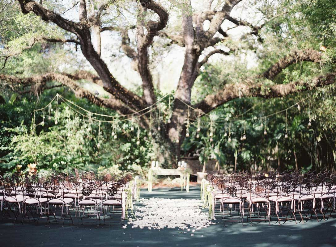 Old World Inspired Wedding At Villa Woodbine In Miami Fl The Celebration Society Florida Wedding Venues Outdoor Ceremony Oak Tree Wedding