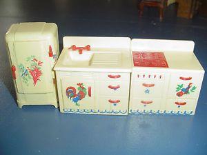 VINTAGE-Renwal-White-Kitchen-Doll-Furniture-STENCILED