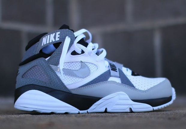 nike air max trainer 91 radiers bo jackson 01 Nike Air Trainer 91 White  Grey Black df5e23980