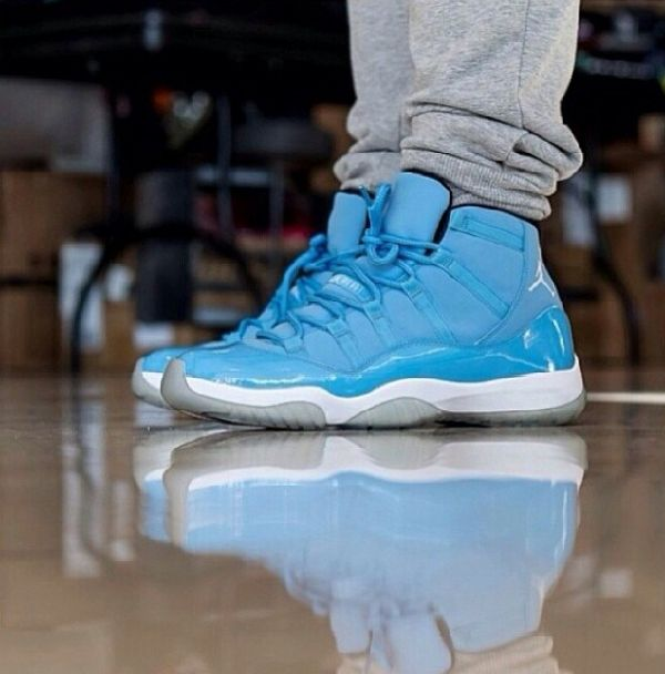 "los angeles da29a d5154 Air Jordan 11 Retro ""Pantone"" 