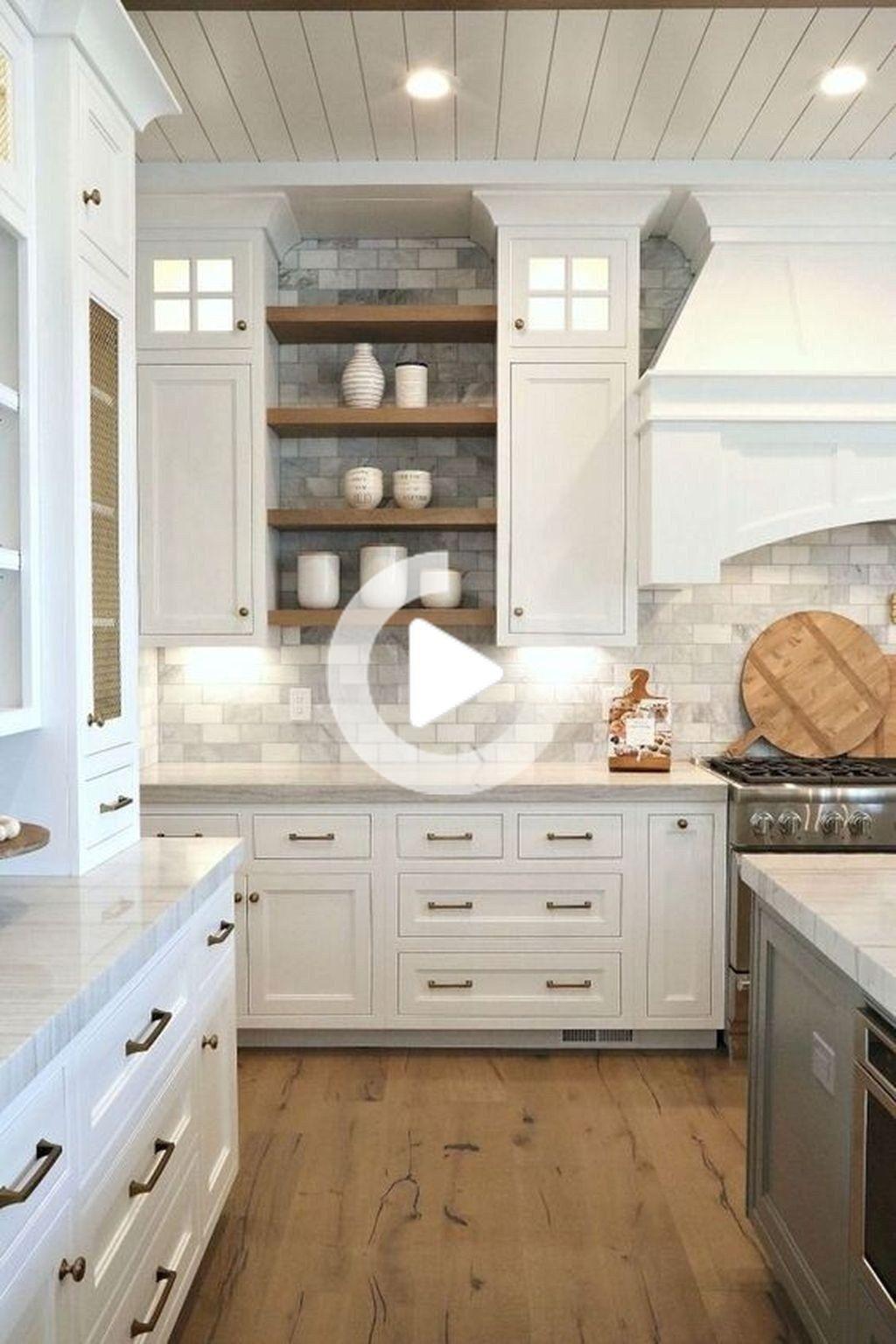 Hier Zijn De Moderne Boerderij Keuken Backsplash Ideas Dit Artikel Over Modern Farmhouse Kitchen In 2020 Modern Kitchen Rustic Kitchen Kitchen Cabinet Design