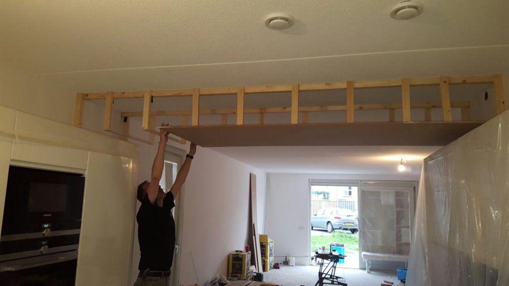 Verlaagd plafond in de keuken met ingebouwde spotjes demaklussen keuken plafond pinterest - Design keuken plafond ...
