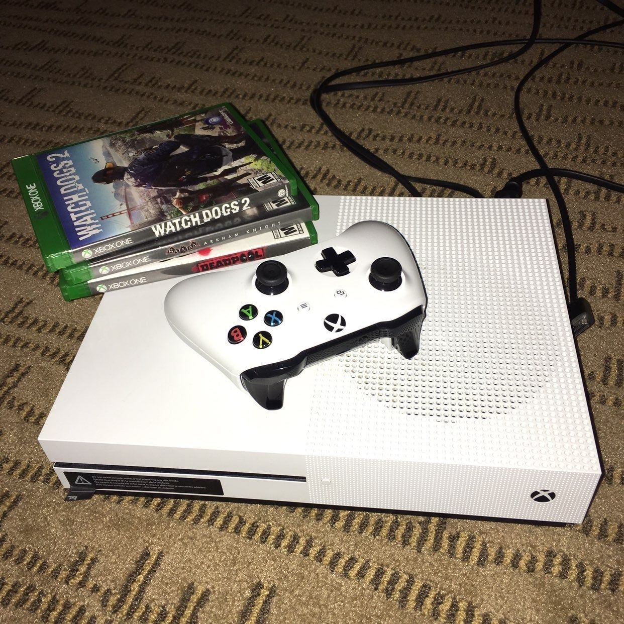 Xbox One S 500gb With 3 Games Watch Dogs 2 Batman Arkham Knight And Deadpool Comes With The Original Console Box And All The Cords Including Warranty Man