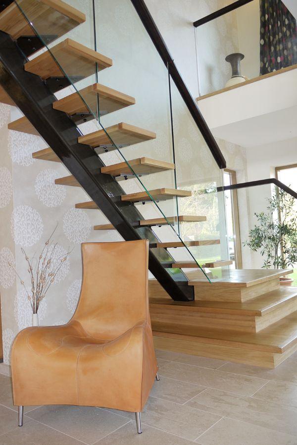 Best Warwickshire Steel Spine Staircase At Zigzag Design 400 x 300