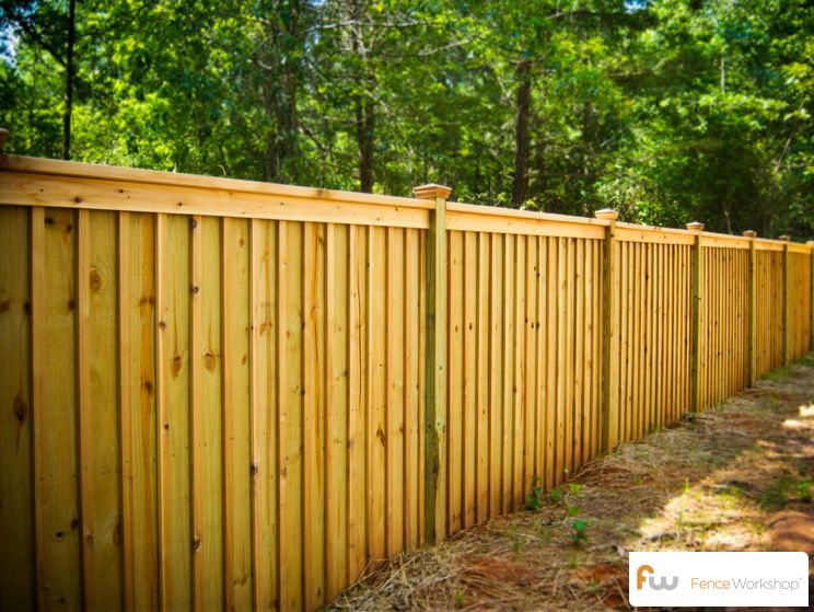 King Wood Privacy Fence Board Batten Style 4x4 Posts 3 2x4 Frame Rails 1x4 Fascia Board 2x4 Top Bo Wood Privacy Fence Wood Fence Design Privacy Fences