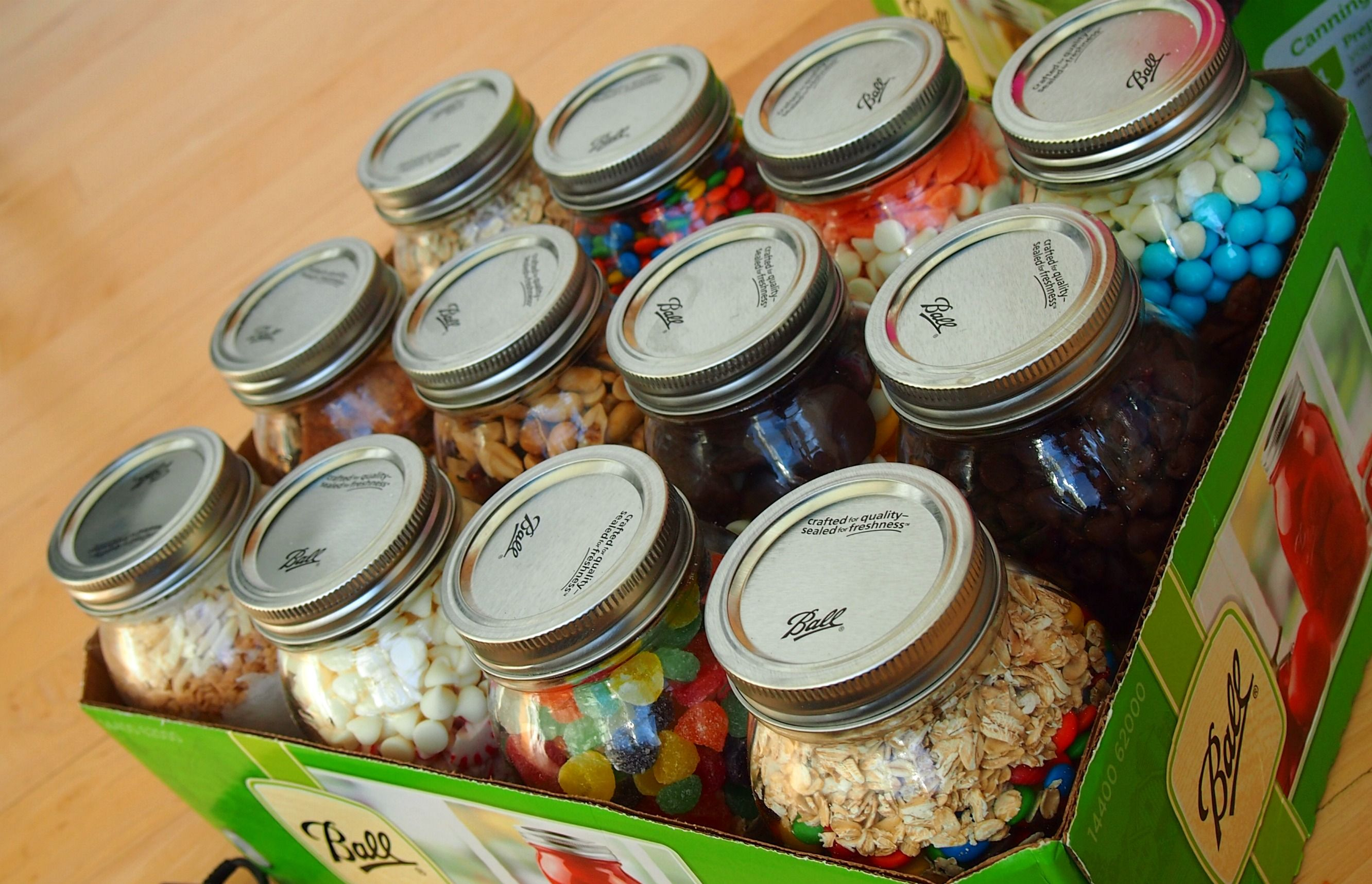 Cookies in a jar christmas gift ideas with jars pinterest
