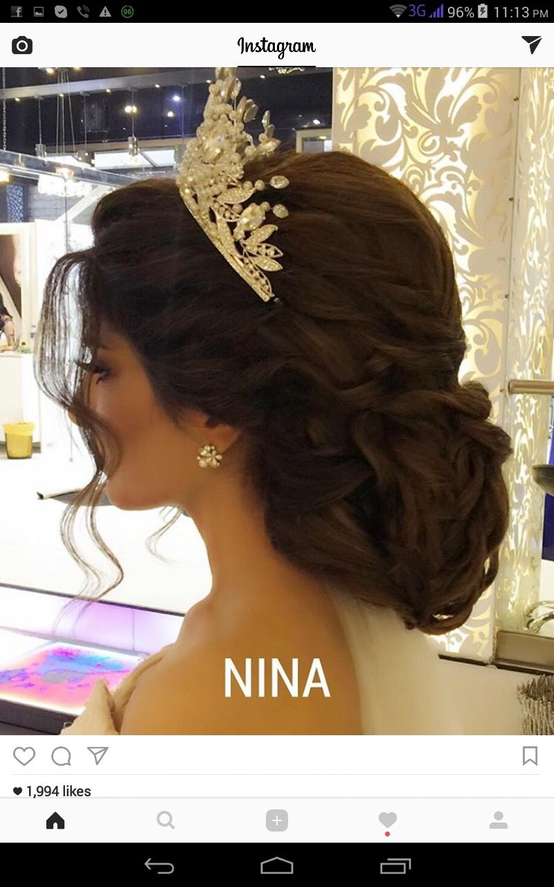 Sweet Quinceanera Hairstyles With Crown Crown Hairstyle Hairstyles Quince Weddinghair Quince Hairstyles Wedding Hairstyles With Crown Crown Hairstyles